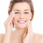 Consigue un rostro más joven: tratamientos de hidratación facial